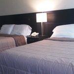 cuarto dos camas matrimoniales