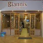 Giannis Pure Veg