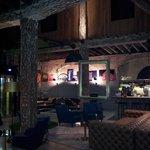 lobby/bar/restaurant