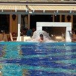 piscina con idromassaggio