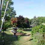 Uitzicht op de tuin vanaf het terrras
