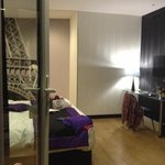Room of good proportions for Paris... but dampened by the overall experience unfortunately!