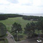 稲毛記念館から芝生広場の眺め
