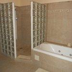 la grande salle de bains