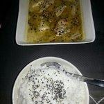 Pollo con curry picante y guarnicion