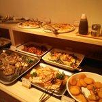 3.02.02【シルバニア森のキッチン】ビュッフェの料理