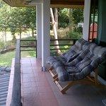 Очень удобные кресла на балконе-террасе