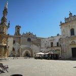 piazza Salandra con la guglia dell'Immacolata