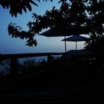 coucher de soleil de la terrasse devant notre chambre
