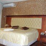 Unparalled accommodation:- Wi-Fi,  AC, DSTV, Kitchenette etc