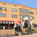 Ideally positioned with easy access to Entebbe Airport, accessible to city center shopping malls