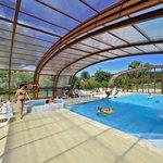 Nouvelle piscine couverte découvrable chauffée