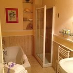 bothroom, with shower and bath