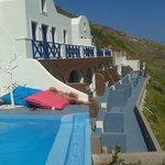 Exterior Hotel zona de piscina y habitaciones