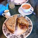 Farm Cafe, Sausage sandwich and tea