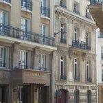 Hotel Atala na rua chateaubriand.