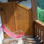 Balconcino con sedia a sdraio