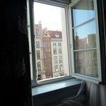 Vue de notre chambre (3 fenêtres)