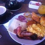 petit dejeuner o buffet excellent avec un large choix sucré/salé