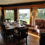 Great room for breakfast!