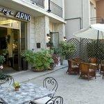 Dehor dell Hotel Arno