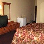 Midtown Inn Suites Room