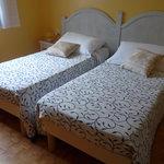 """belle chambre"""" fontainebleau"""" assez spacieuse et confortable"""