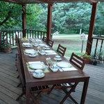 petit-déjeuner en terrasse très agréable