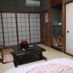 旧館の客室 劣化箇所が多々ありますが清潔で快適