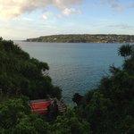 対岸の古宇利島が美しい。