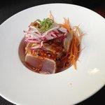 bonito  braseado con salsa kimuchi