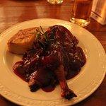 Canard à la sauce aigre-douce aux cerises