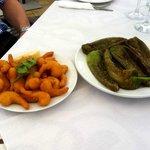 Fried prawns & pimientos