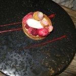 """Création du moment sur le thème """"framboises et litchee"""" (dessert du menu)"""
