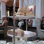 Fotografija – Thames Foyer at The Savoy