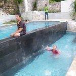 Anak-anak sgt enjoy berenang