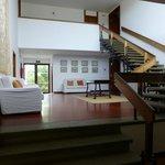 Petit salon et accès aux chambres