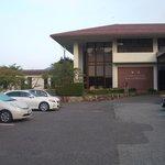 青山ホテル玄関