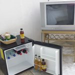 fridge / tv