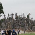 vista de la colina y las cruces