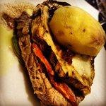 filetto di vitello con melanzana, provola e patata croccante