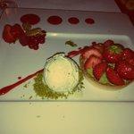 Tarte fine au fraises et pistaches