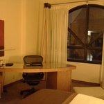 Desk area/window