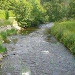 De rivier de Salm aan het terras.