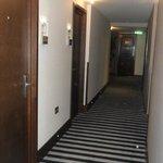 En af hotel gangene.