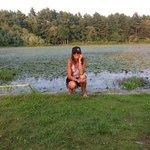 en el lago atardece