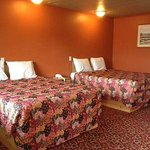 Campbells Motel Scottsburg Room