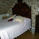 Chambre no 1, très petit lit