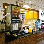 East Carolina Inn Greenville Breakfast