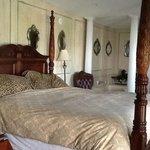 Newport Suite